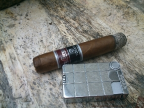 Carlos Torano Loyal Robusto-1