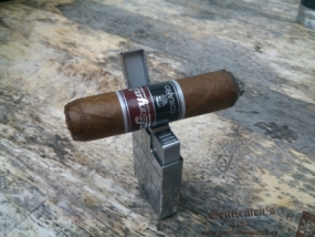 Carlos Torano Loyal Robusto-2