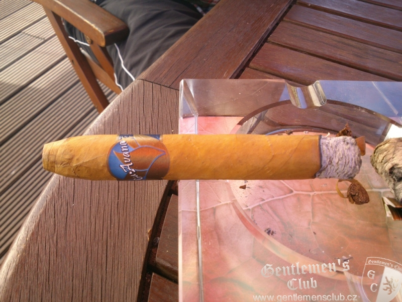 how to cut a belicoso cigar