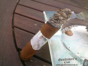 Sencillo Platinum Short Churchill